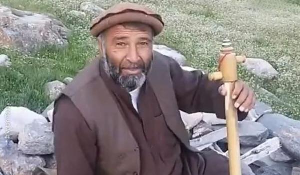 فواد اندرابی  خواننده محلی افغانستان
